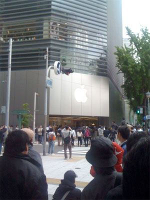 iPad発売開始1分前