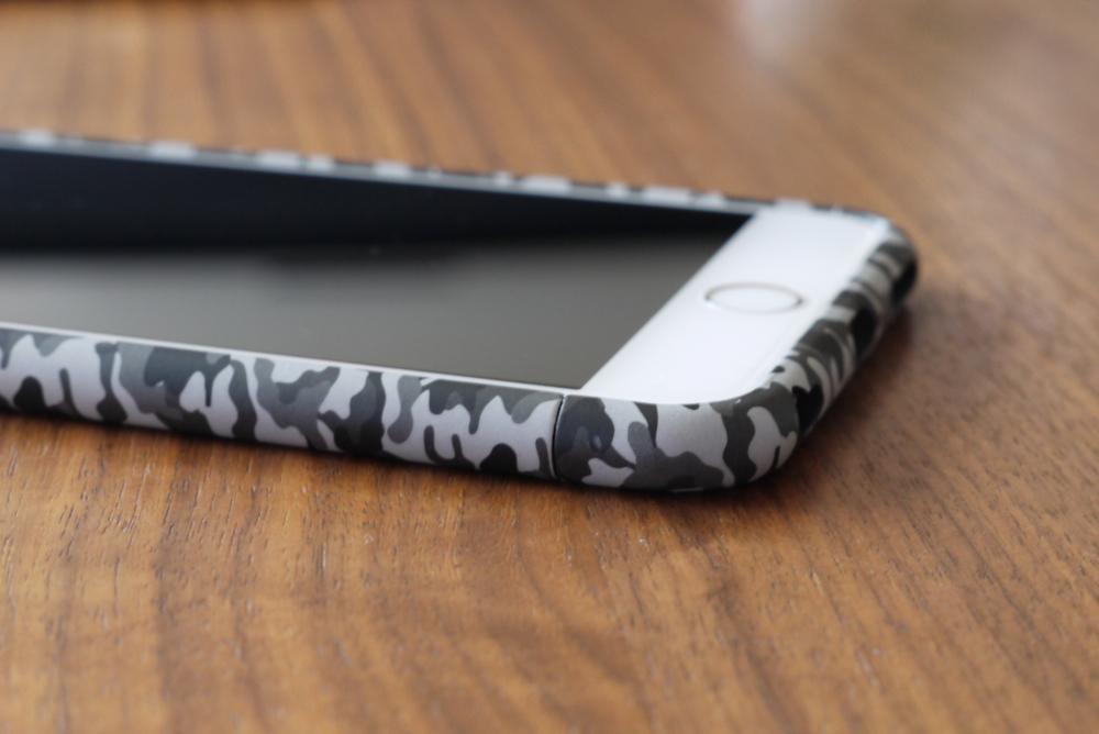Rasta Banana「Various series Bump iPhone6 Plus」横から見たところ