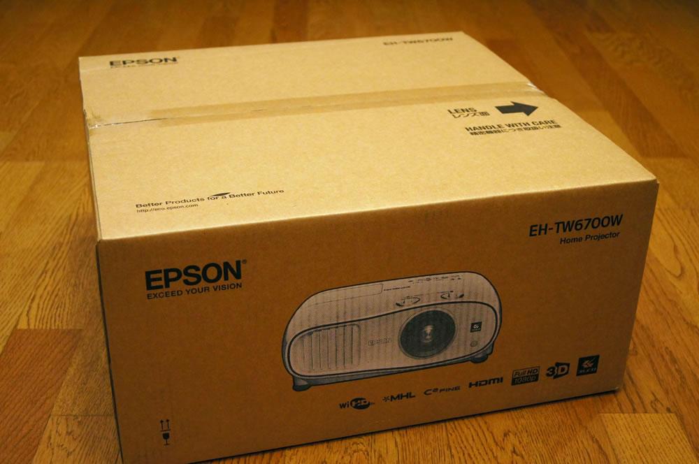 EPSON「EH-TW6700W」の梱包箱