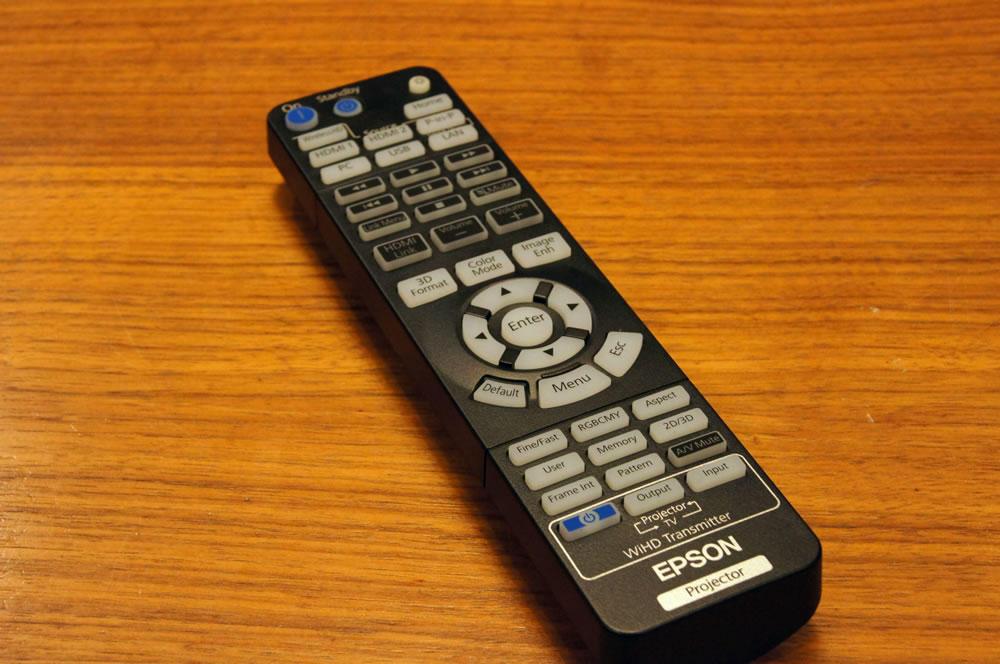 EPSON「EH-TW6700W」のリモコン