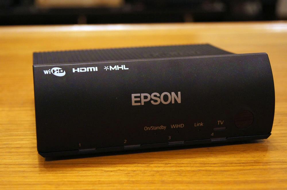 EPSON「EH-TW6700W」のWirelessHDトランスミッター