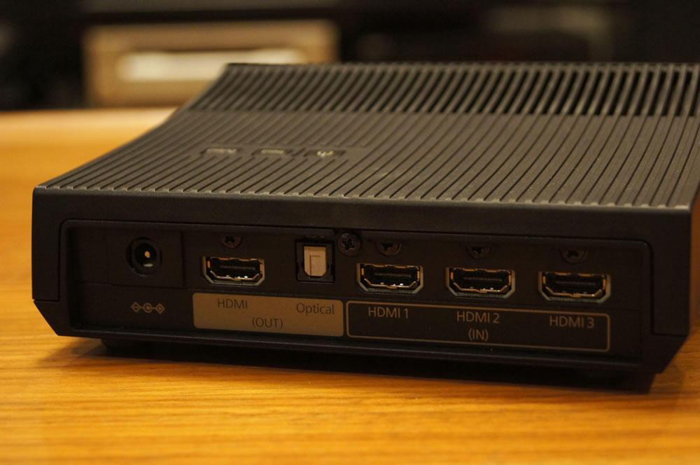 EPSON「WirelessHDトランスミッター」後面のHDMI端子