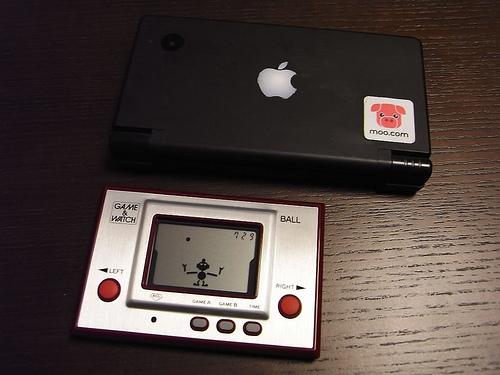 「DS」と「ゲーム&ウオッチ ボール 復刻版」