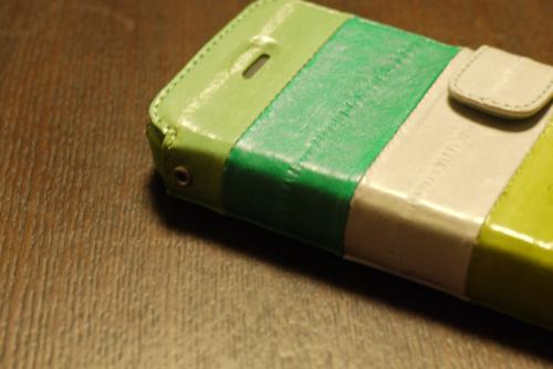 「ZENUS Prestige Eel Leather」フタを閉めるとボリュームとミュートが使えない