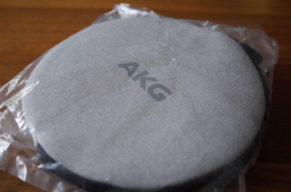 AKG「Y45BT」のケース