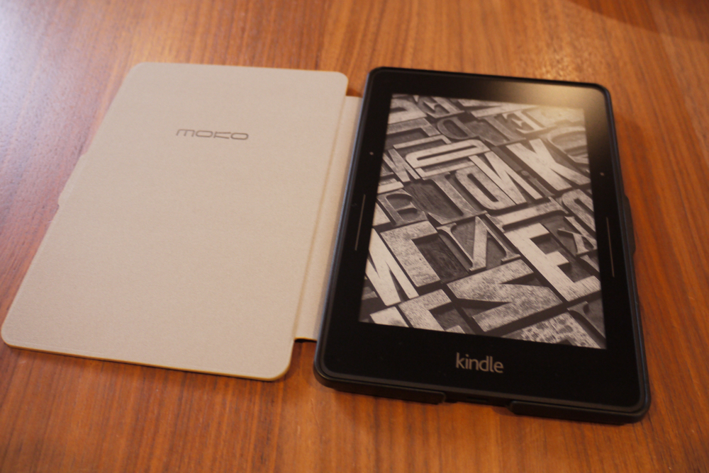 「MoKo Amazon Kindle Voyage ケース」と「Kindle Voyage」