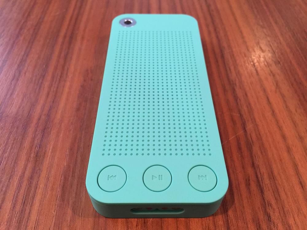 「SQueo : Advanced Waterproof Bluetooth Speaker」表側